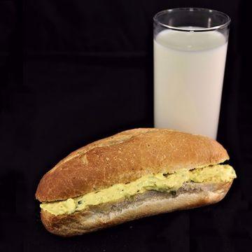 Afbeeldingen van Broodje eiersalade