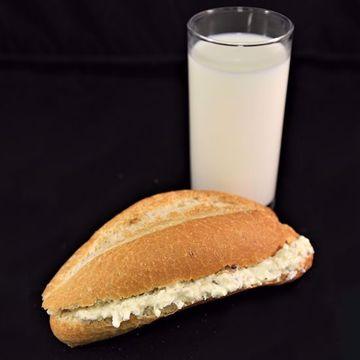Afbeeldingen van Broodje geitenkaas pesto