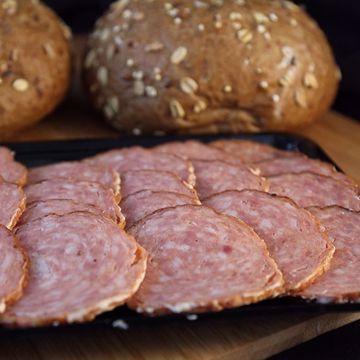 Afbeeldingen van Broodje grillworst kaas