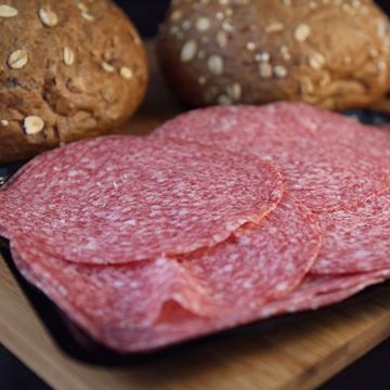 Afbeeldingen van Broodje salami