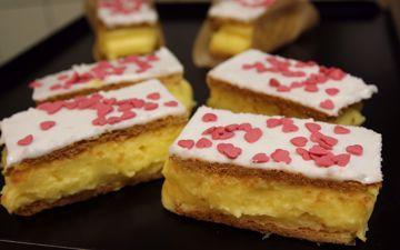 Afbeeldingen van 4 Valentijn tompouces