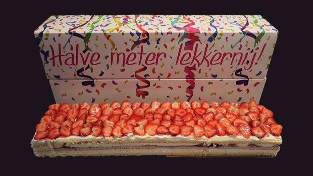 Afbeelding van Halve meter taart Aardbei